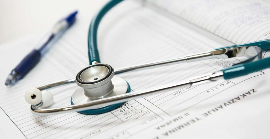 stetoskop-obisk-zdravnika