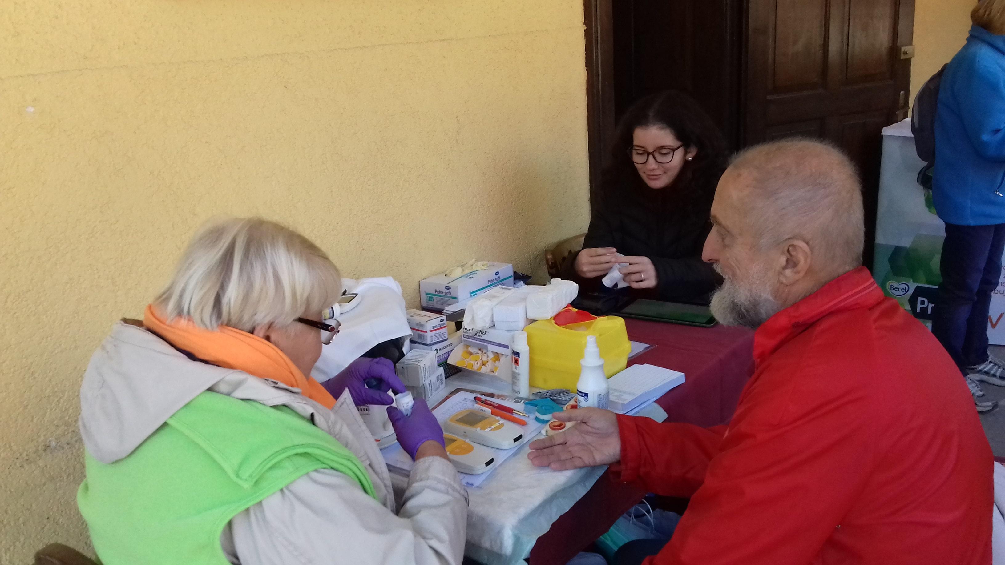 Slika 1: Izvajanje krvnih preiskav